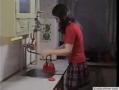 Arianna fucked in the retro blowjob cookingers