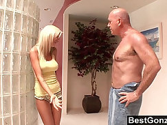 Boy Saw Lust Before Shower and Never to Receive Mail Spy My Step Mom