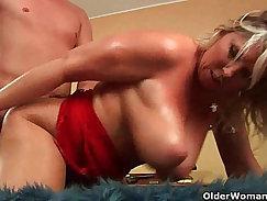 Big booty mature mom natural tits