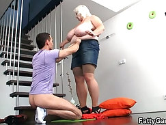 blonde sits and flashes her big boobies until she cums