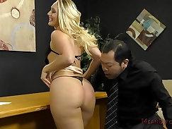 AJ Applegate Enjoys Glimpse of All Ass Slobber