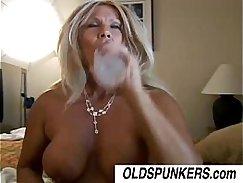 Cougar Soloildos Fucking a Bubble Butt