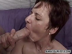 Hot amateur girlfriend cummed while facials