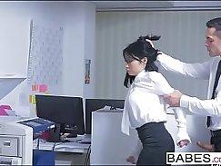 Office chief sucks boss dick