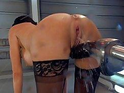 Stunning Maya Love sex machine job