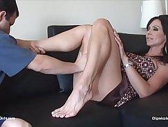 Vanessa Stuart and Camila Foot training