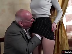 Beefcake techdildr surprises dudes dick with his nonstop getup